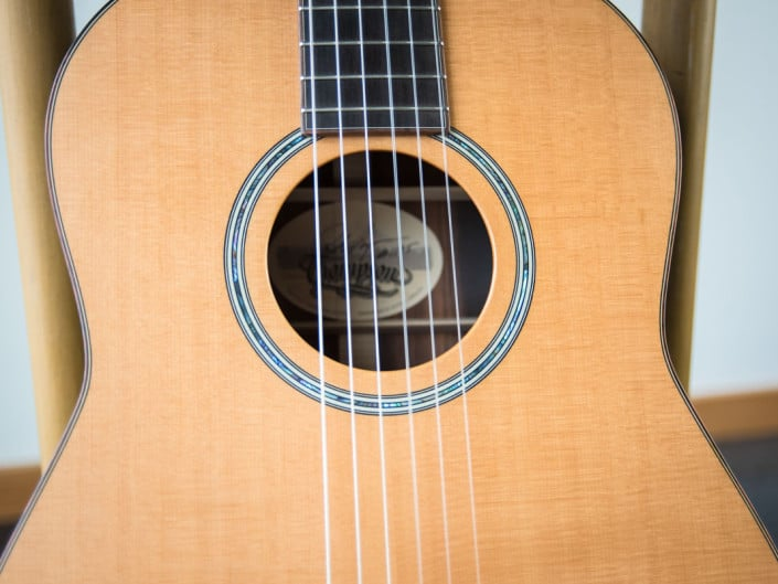 classical guitar with brazilian rosewood and Stika Top
