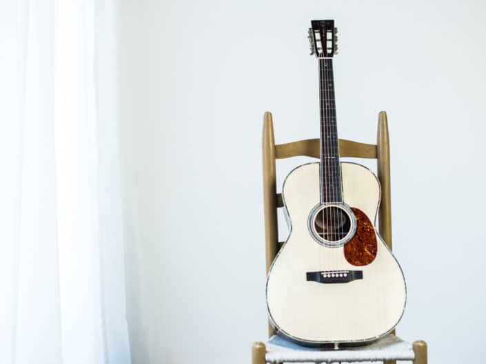 custom-acoustic-guitar-12fret-000-1