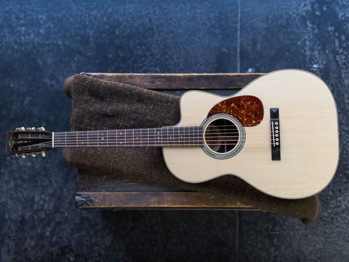 12 fret 000 custom acoustic guitars
