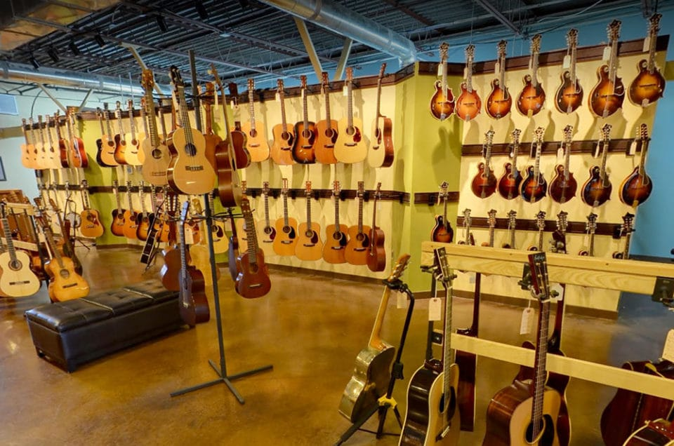 Carter Vintage Guitars in Nashville