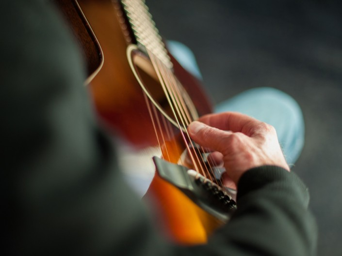 Preston Thompson 00-sunburst-acoustic-guitar-13