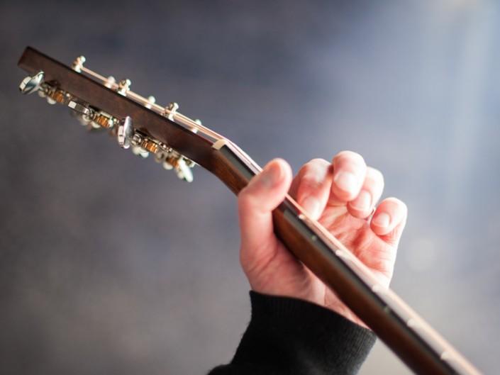 Preston Thompson 00-sunburst-acoustic-guitar-15