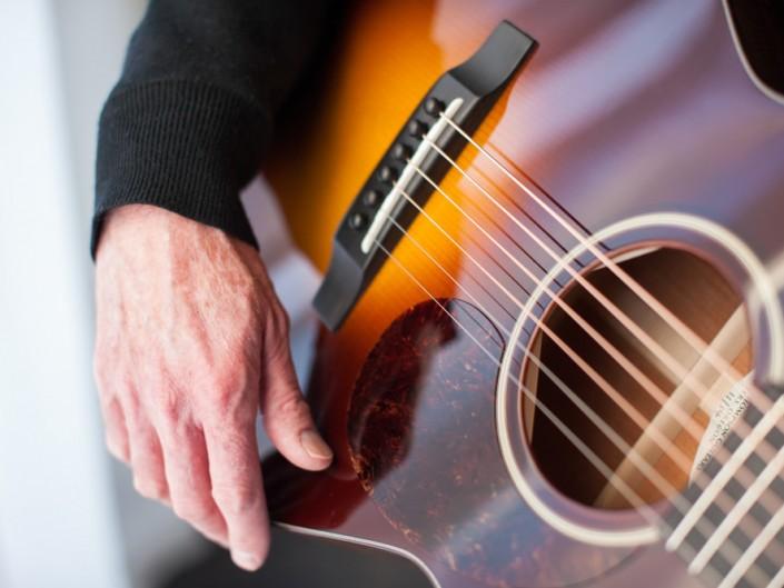 Preston Thompson 00-sunburst-acoustic-guitar-21