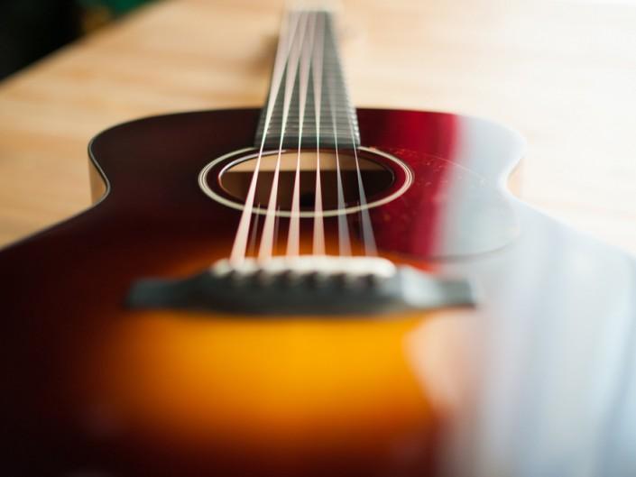 Preston Thompson 00-sunburst-acoustic-guitar-5