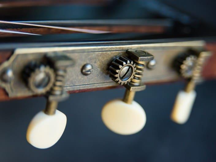 Thompson Guitars acoustic-guitar-mahogany-size-2-parlor-7 headstock