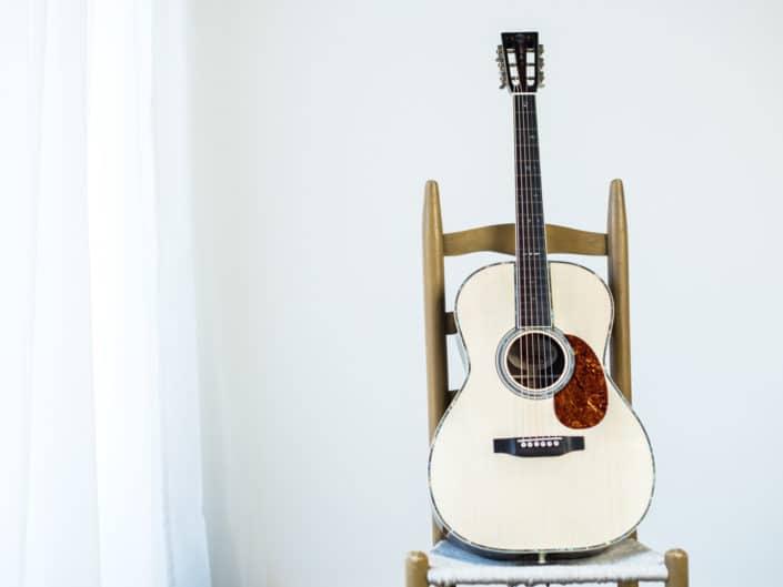 custom-acoustic-guitar-12fret-000-1