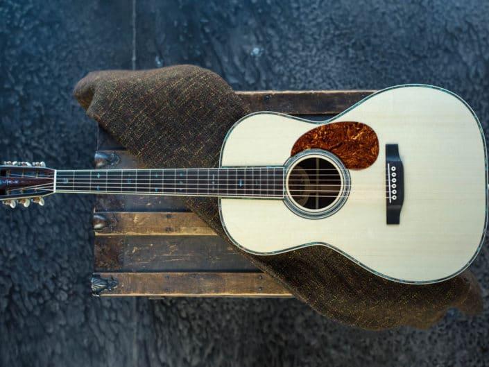 custom-acoustic-guitar-12fret-000-1 3
