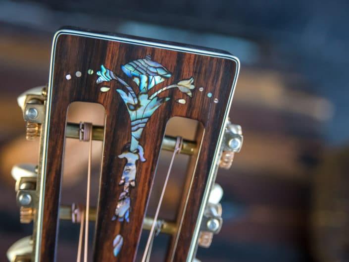 custom-acoustic-guitar-12fret-000-1 4