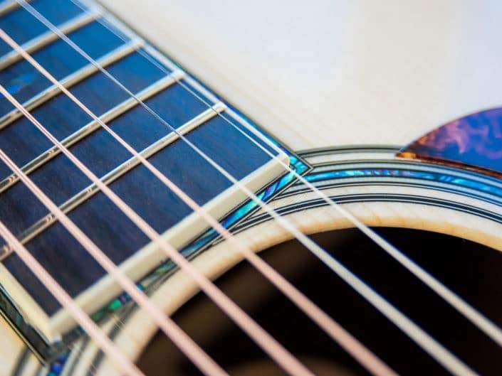 custom-acoustic-guitar-12fret-000-1 5
