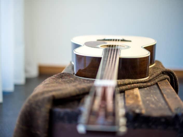 custom-acoustic-guitar-12fret-000-1 9