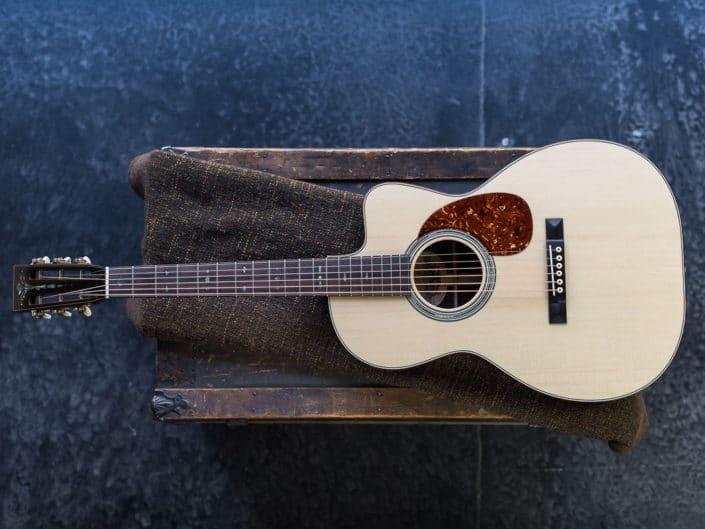 12 fret 000 custom acoustic guitars