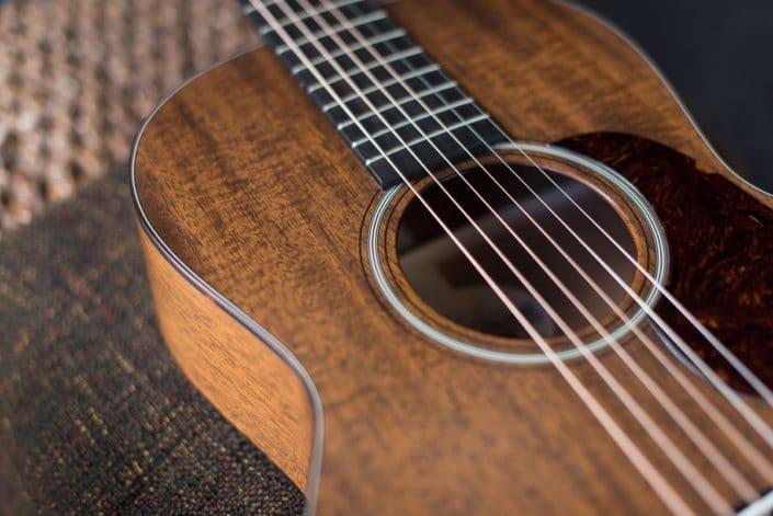 mahogany 12 fret 00 guitar for sale